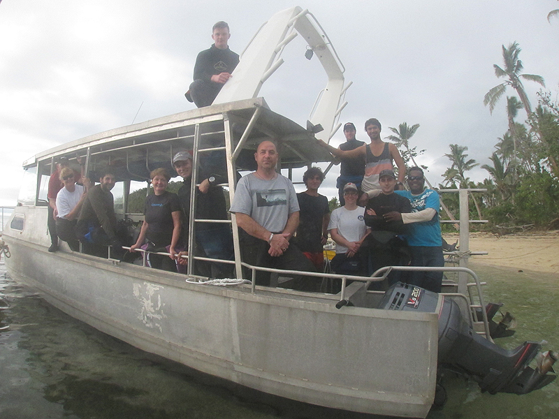 Dive Crew heading out to Vatu-i-ra reefs.