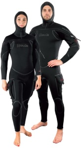 The Hollis NeoTek is a unisex semi-dry suit.